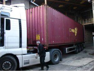 2013 - Chargement d'un conteneur à Aubazine